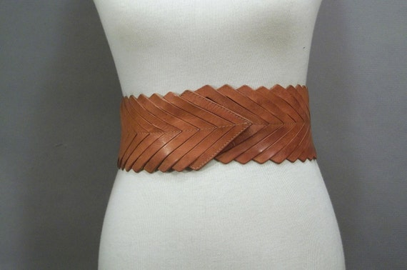 Vintage WIDE Tan Leather CHEVRON Belt. Made in Italy. (S)