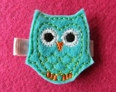Turquoise Owl Embroidered Felt Hair Clippie with Green Stitching -- LAST ONE