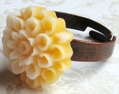 Chrysanthemum...Flower Ring...Two Toned...Yellow and White...Red Copper Band...Filigree