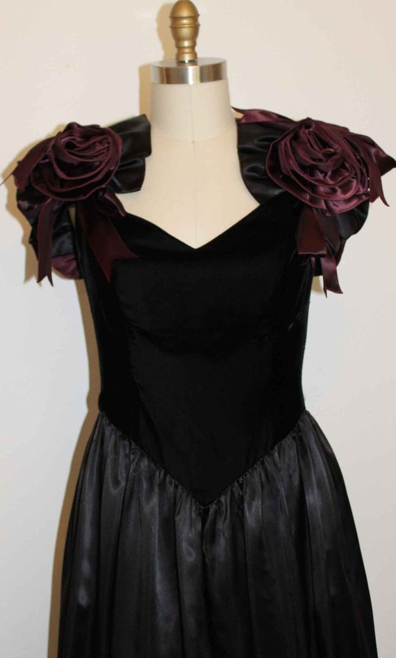 1980s Goth Prom Dress Black Velvet Deep Red Roses Bust Size 36""