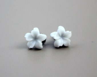 Jasmine Flower Earrings, True White with Hypoallergenic Titanium Posts/Studs