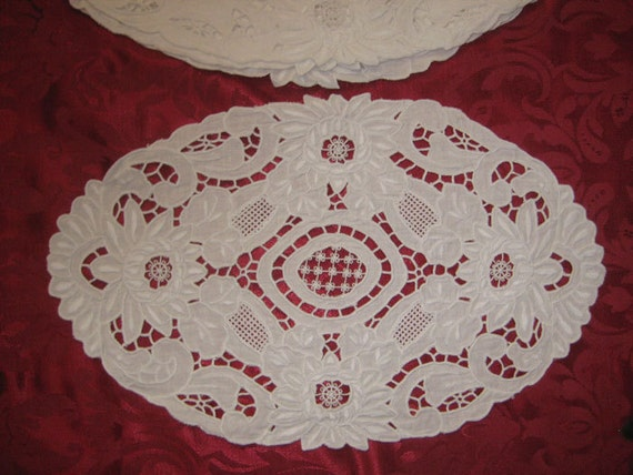 7 White Floral Cutwork Placemats
