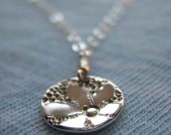 Tiny Daisy Sterling Silver Necklace