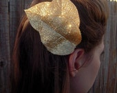 Pin Up Gold Glitter Leaves Fascinator