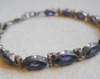Sterling Silver and Amethyst Bracelet, Amethyst Stone Bracelet, Oval Stones Bracelet, Purple Stones Bracelet, Amethyst and Silver B103