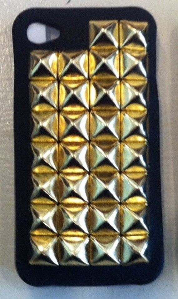 Free US Shipping BLACK with GOLD Pyramid Studs Iphone 4g 4s Cover Case
