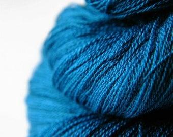 Kingfisher being no more - Merino/Silk/Cashmere Fine Lace Yarn