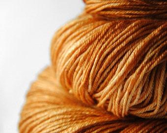 Dead leaves - Merino/Silk Fingering Yarn Superwash
