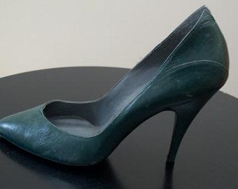 Vintage Green Leather Stilettos - size 6 1/2