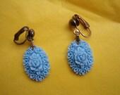 Blue fifties plastic  flower plaque earrings