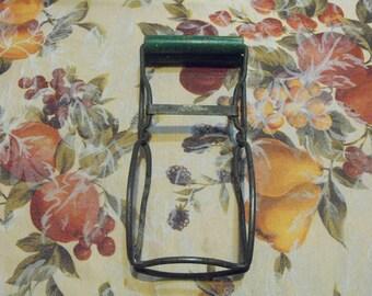 Primitive Jar Lifter Green Handle