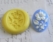 GARDEN FLOWER - 40mm x 30mm - Flexible Silicone Mold/Mould - Push Mold, Polymer Clay Mold, Pmc Mold, Clay Mold, Resin Mold