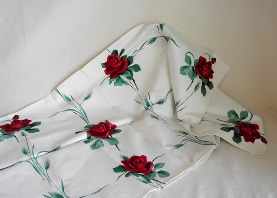 Vintage Wilendur Red Roses Kitchen Tablecloth