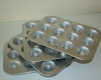 Vintage Mini muffie tin