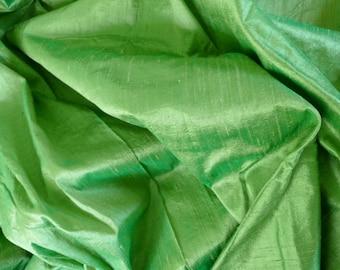 Silk Dupioni in Paris Green, Fat qarter-D 152