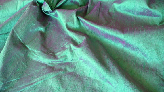 Silk Dupioni in Persian Green with Magenta shimmers,Fat Quarter D 133