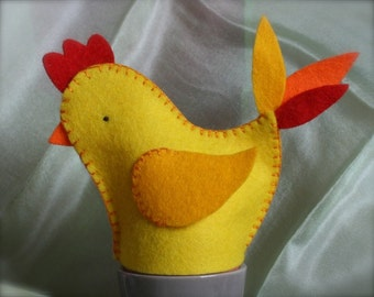 DIY Spring Chicken Egg Cosy Kit / Spring Seasonal Table Decoration, in Wool Felt. Makes 2