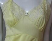 Vintage Yellow Nylon And Lace Full Slip Size 32 Average