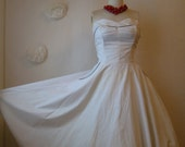 vintage 1950s sweetheart strapless boned bust white pique garden party circle dress. new look bride.