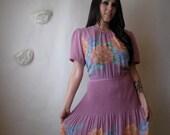 1970s dress. vintage 70s dress. floral garden party dress.