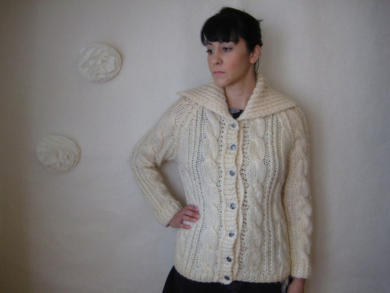 cable knit sweater. 60s vintage fisherman cardi chunky ivory large collar.