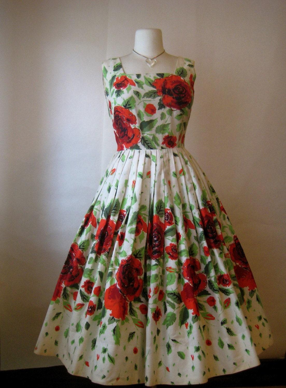vintage 1950s senorita red rose garden tea by SweetMoonlightShop