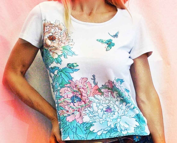 Vintage T shirt, 1970s, Tee Shirt, Butterfly, Flowers, White, Sequins, Slikscreen