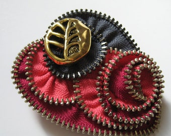 Pink & Gray Heart Zipper Brooch pin