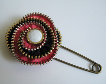 Flower Zipper Brooch Pin