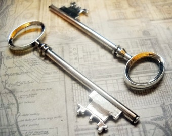 """Big Keys-Large Skeleton Key-Antiqued Silver Key Pendant-80mm 3.14"""""""