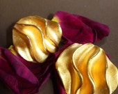 1980's Clip-on EARRINGS, Golden Waves, dramatic