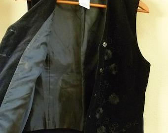 REDUCED...Women's Black Velveteen Vest, fully Lined, Size Small 4/6