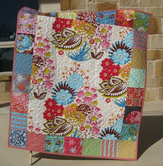 Loulouthi Modern Baby Quilt