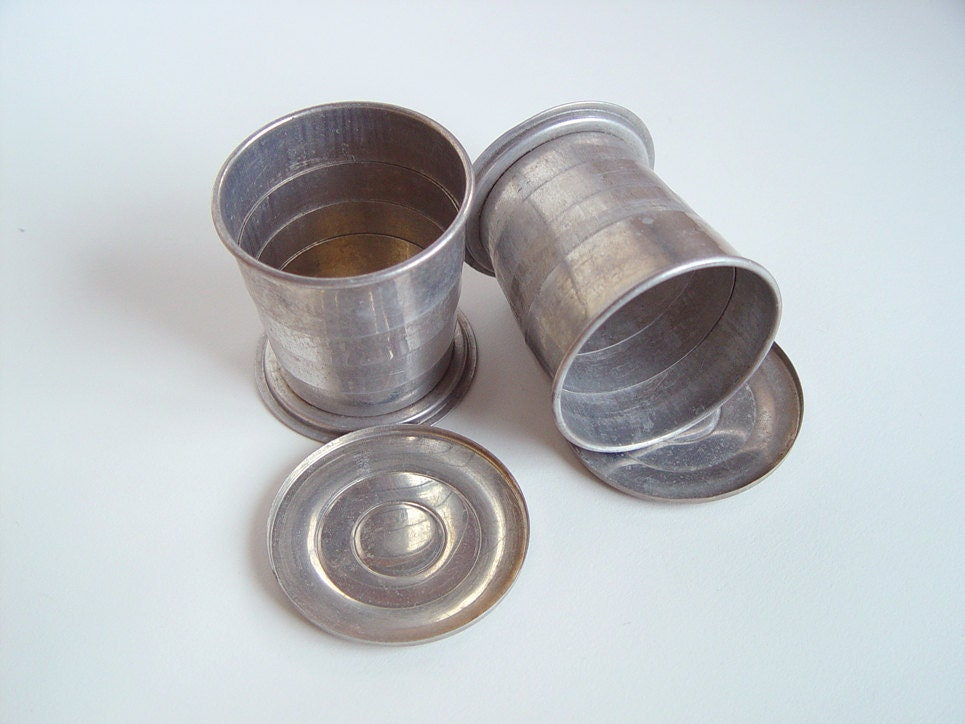 Vintage Aluminum Collapsible Drinking Cups With Lids Be