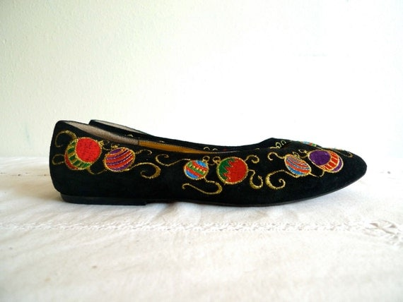 Vintage J. Renee Fine Leather Slip-on Flats, with Christmas Theme Embroidery, Size 11M