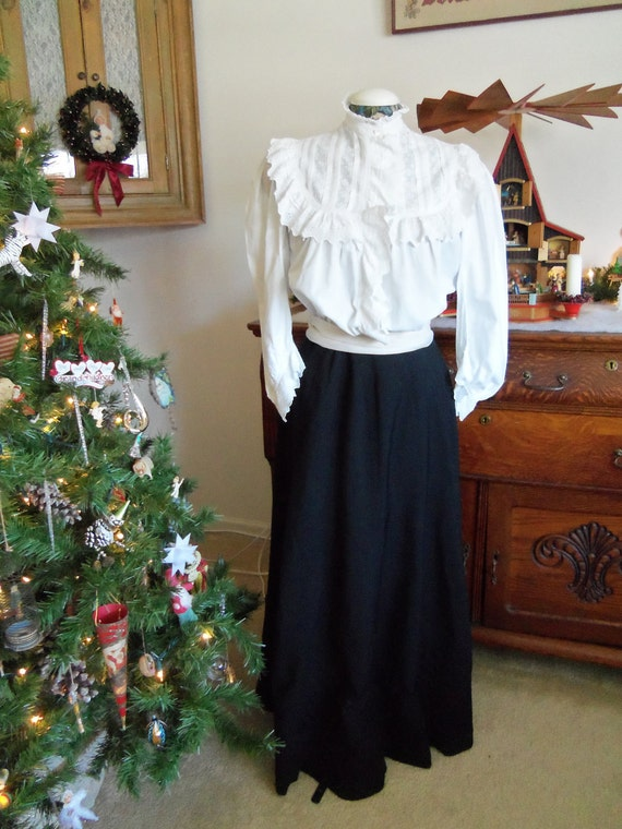 Antique 1900's  Edwardian Skirt -long black skirt with button and pleat detail