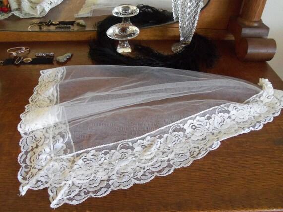 Vintage Pretty Little Lace Veil-Bridal or Communion-Wedding