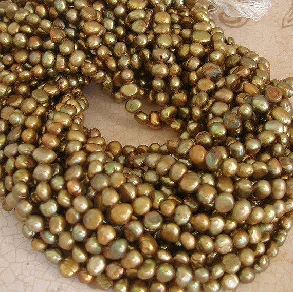 Freshwater Cultured Pearl Golden 15-16inch Strand.