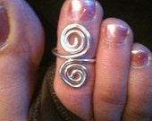 CLEARANCE Swirl Toe Ring