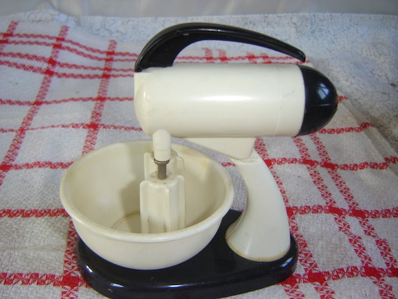 Mixer Salt and Pepper Shakers