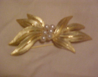 Vintage Gold Accent Brooch or Pin with Pearls in Center