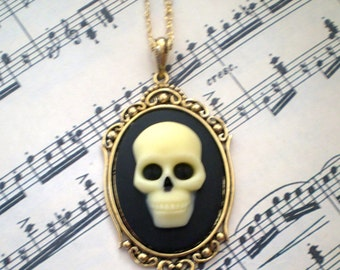 Skull Cameo Necklace - Victorian Zombie Day of the Dead