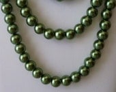 Green Three Layer Pearl Necklace