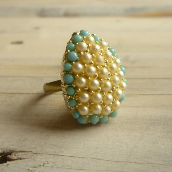 Pearl Turquoise Vintage Cocktail Ring ... Fifties Cluster in Rich Cream and Seafoam