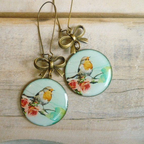 Christmas Robin Earrings ... Red Breast Bird with Bows in Winter Snow