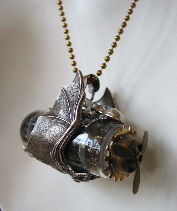 The Steampunk Sci-Fi Necklace The Bat Airship