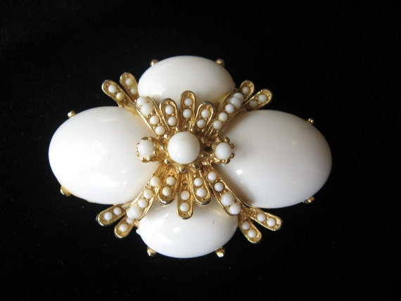 RESERVED-Vintage Signed ART Layered Milk Glass Cabochon Brooch