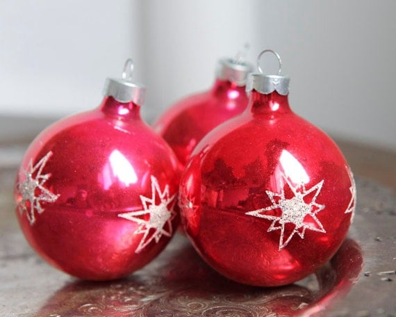 Vintage 50s Glass Ball Ornaments - Red and White Starburst Christmas Shimmer, Set of 3