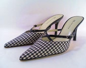 Sale 25% Off Use Coupon Code SAVE25 // Anne Klein Black and White Hounds Tooth Mule Shoe Size 7