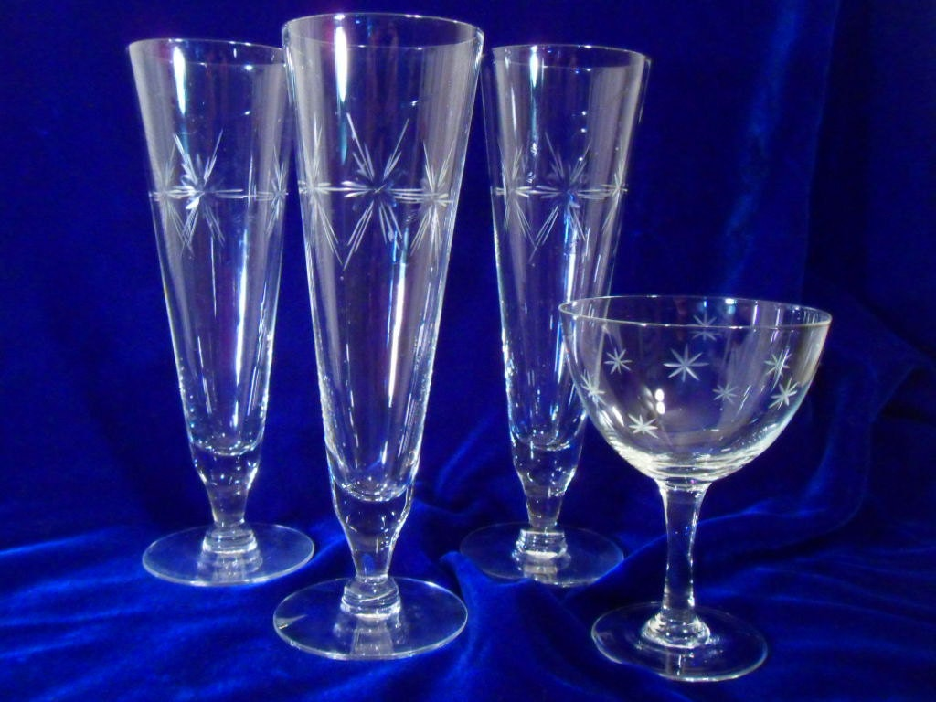 Cut glass starburst pattern 4 glasses vintage 50s - Starburst glassware ...